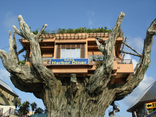 Elevated-Naha-Harbor-Treehouse-Diner-in-Okinawa-Japan-4