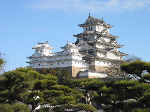 Himeji_Castle_The_Keep_Towers