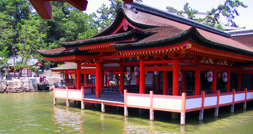 Itsukushima_floating_shrine